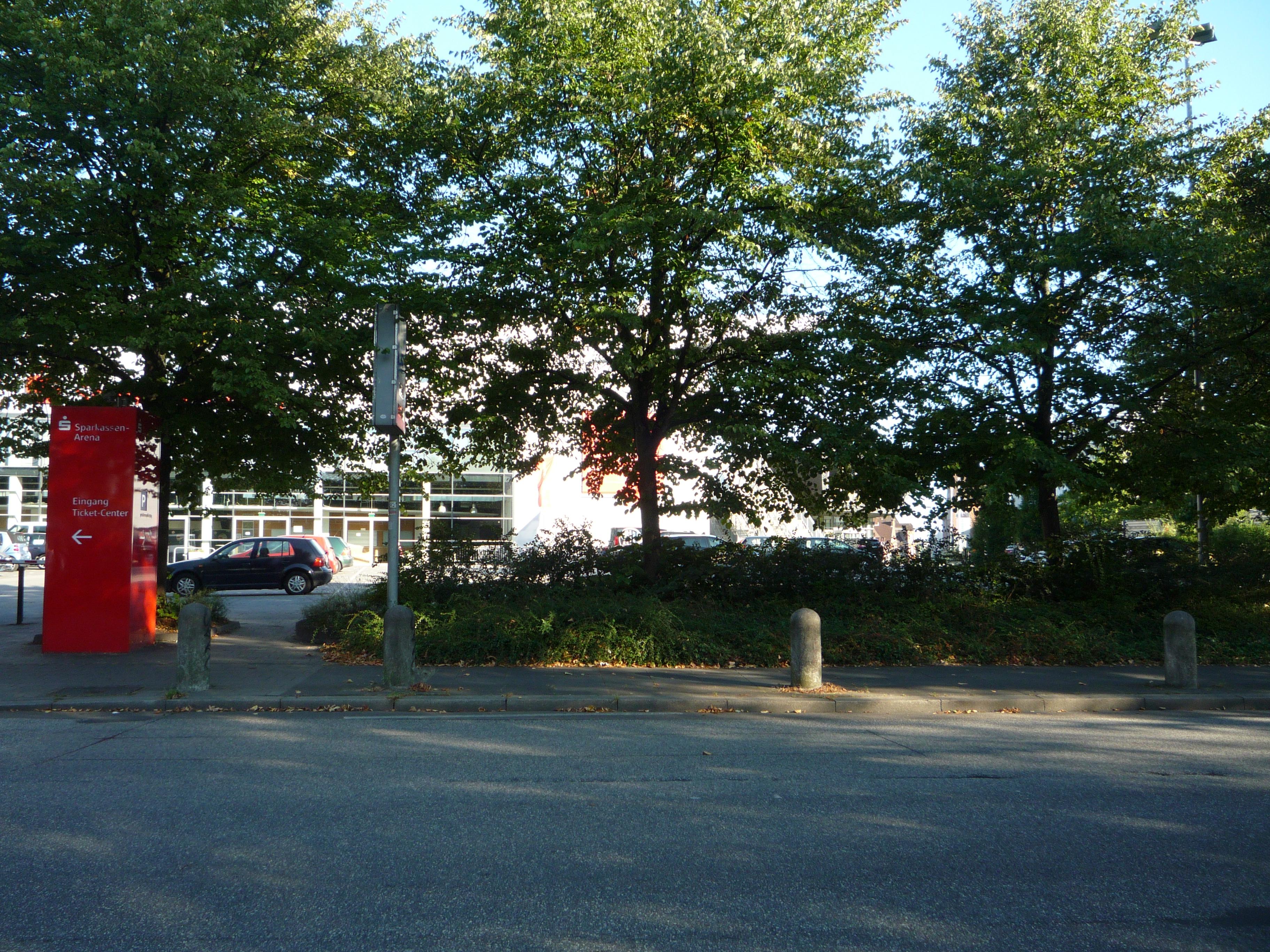 hier sind ein Hotel und ein Parkhaus geplant.